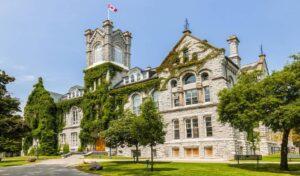 دانشگاه کوئین کانادا 1