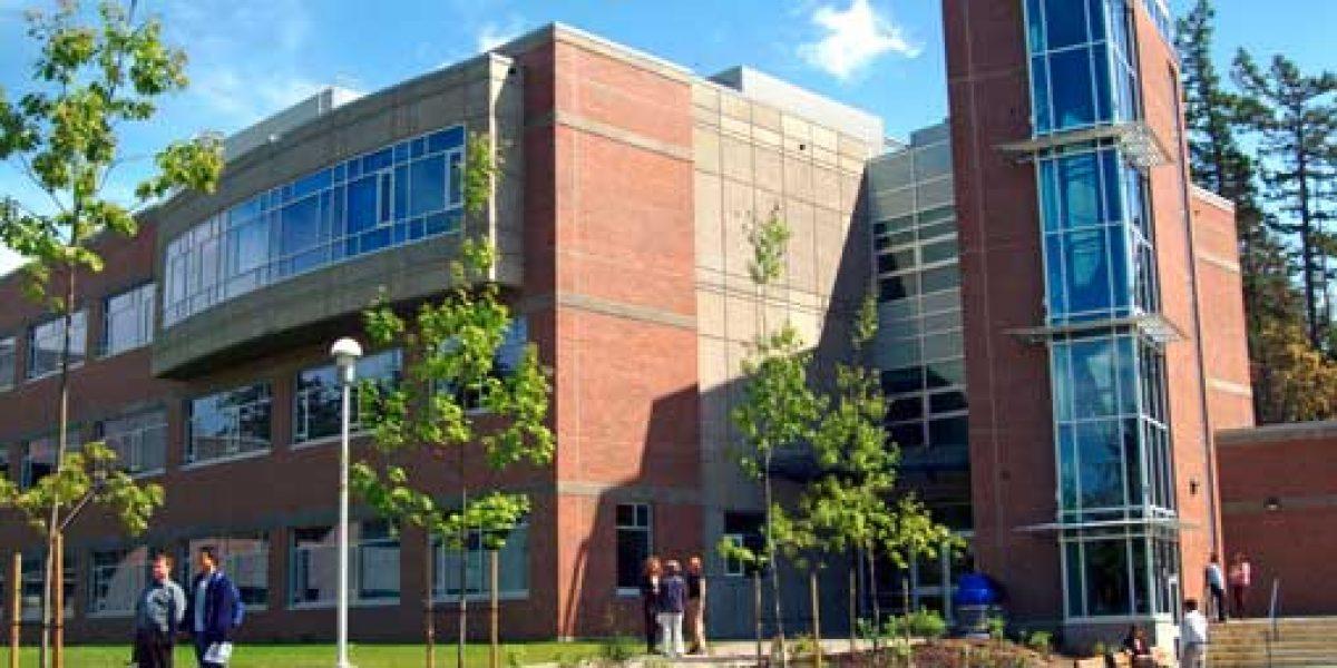 دانشگاه ویکتوریا 1